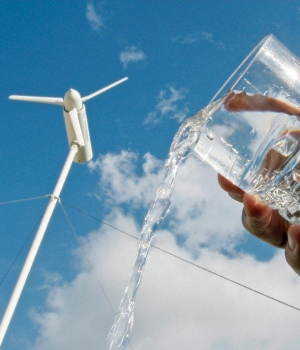 Logran extraer agua potable del aire con energía eólica