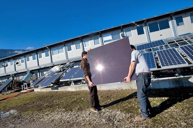 El autoconsumo solar permitirá a las familias ahorrar en la factura de la luz