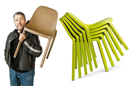 La silla reciclada de Philippe Starck anima la feria del mueble de Nueva York