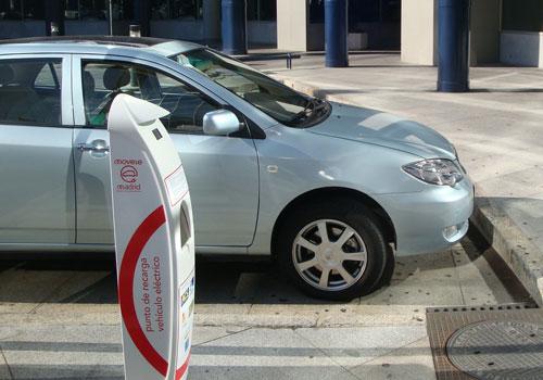 Telefónica desarrolla los puntos de recarga inteligentes para vehículos eléctricos