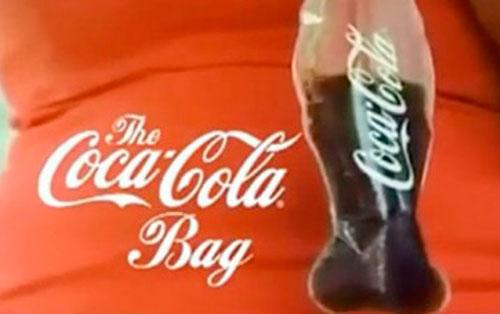 Coca Cola para llevar… en bolsa de plástico biodegradable