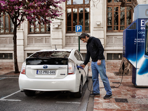 Más de 400.000 coches eléctricos circulan por todo el mundo