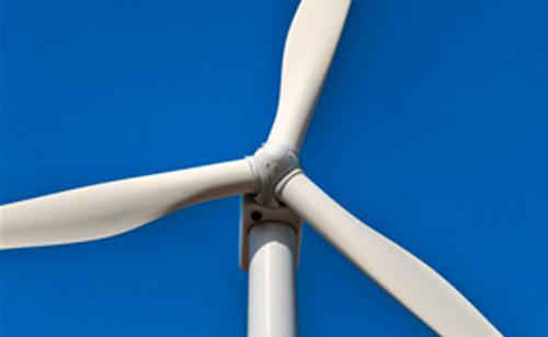 La eólica se erige como la primera fuente de electricidad durante un trimestre completo