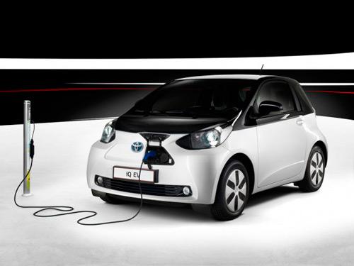 Toyota afirma que los vehículos eléctricos no satisfacen las necesidades de la sociedad