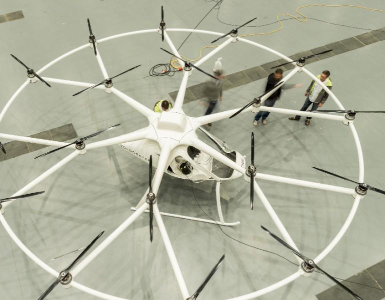 ¿Es un helicóptero o un avión? No, es el Volocopter, un ingenio eléctrico que vuela