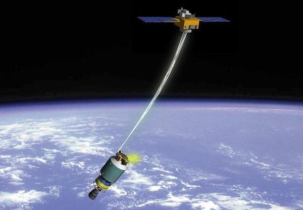 """Japón se prepara para """"pescar"""" la basura espacial"""
