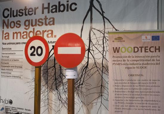 ¿Señales de tráfico de madera?