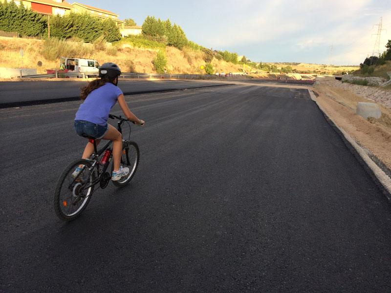 ciudad-carretera-bicicleta-el-mundo-ecologico
