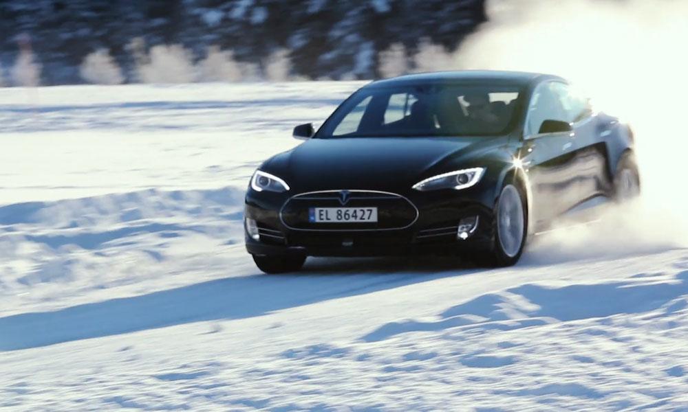 La experiencia invernal de Tesla en Noruega