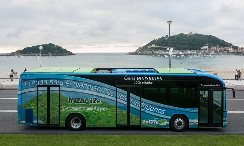 Los autobuses se preparan para la carga eléctrica abierta