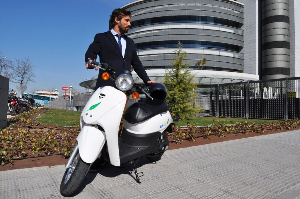 moto electrica e-leaf españa