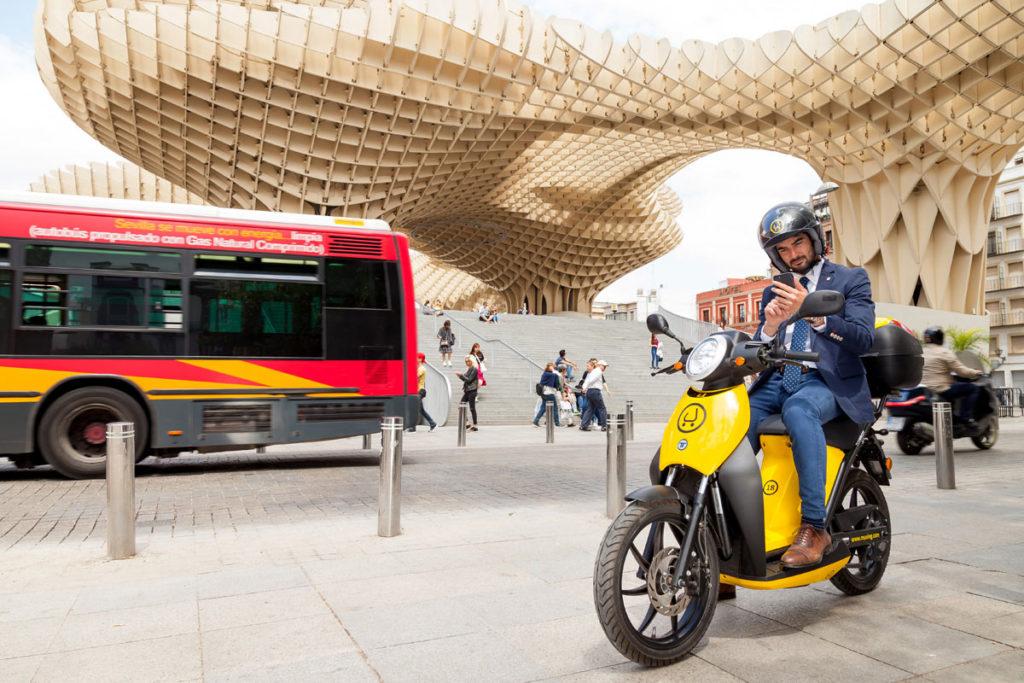 Muving motosharing moto eléctrica moto compartida Madrid