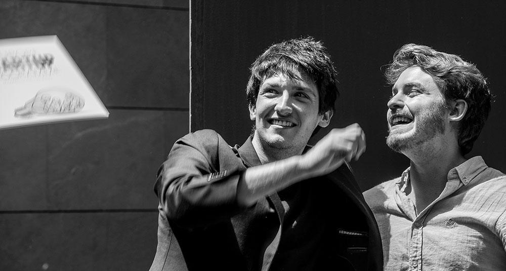 Aplicación móvil App Light reciclar smartphone Santi y Carlos fundadores