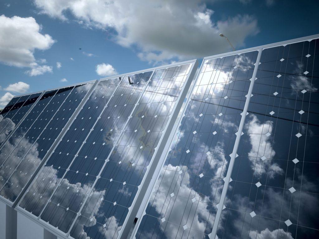 Energías renovables paneles solares Empleo