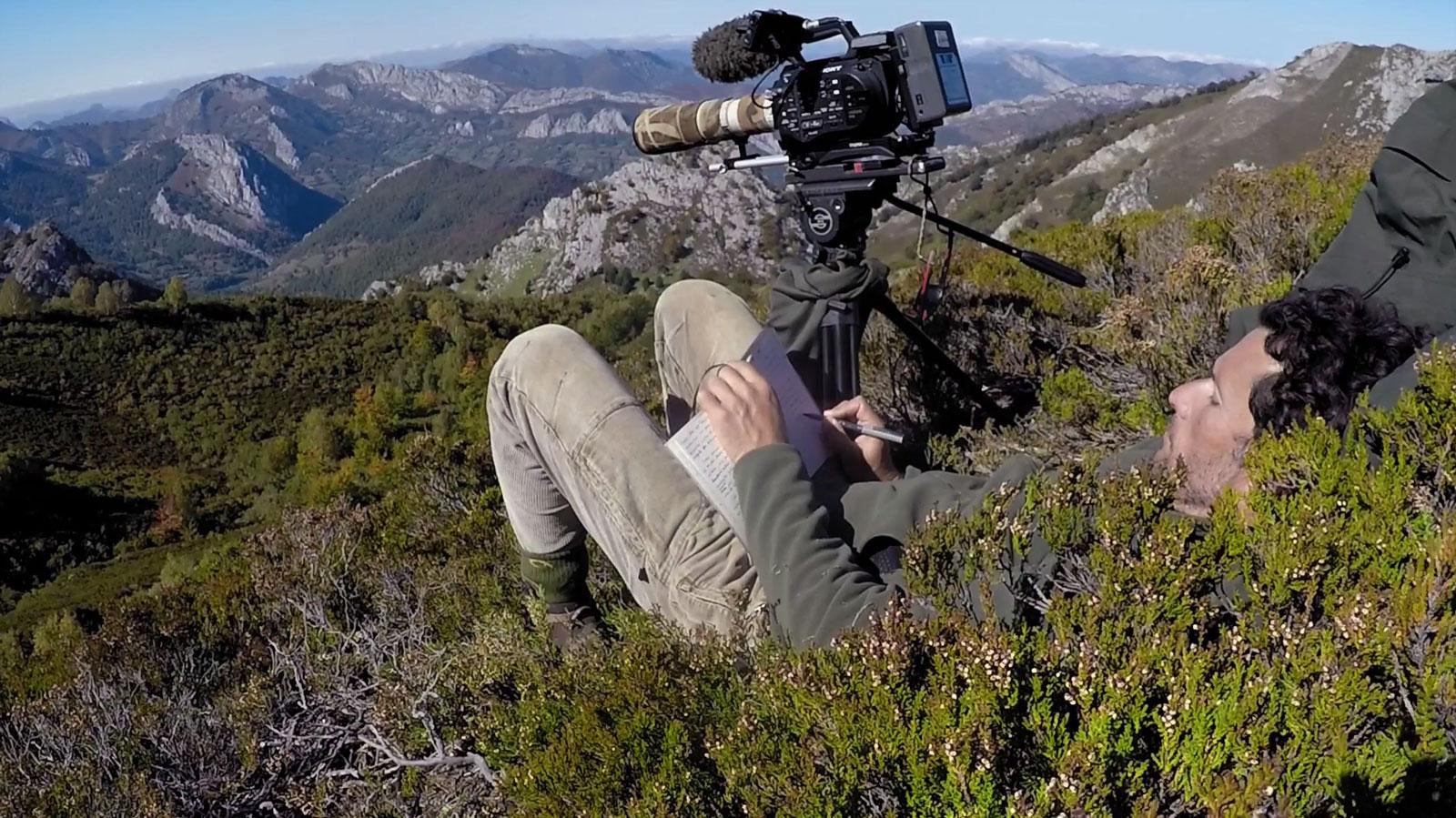 """José Díaz experiencia de aislamiento en el libro y el documental""""Cien días de soledad"""" 100 dias en en el bosque de Asturias"""