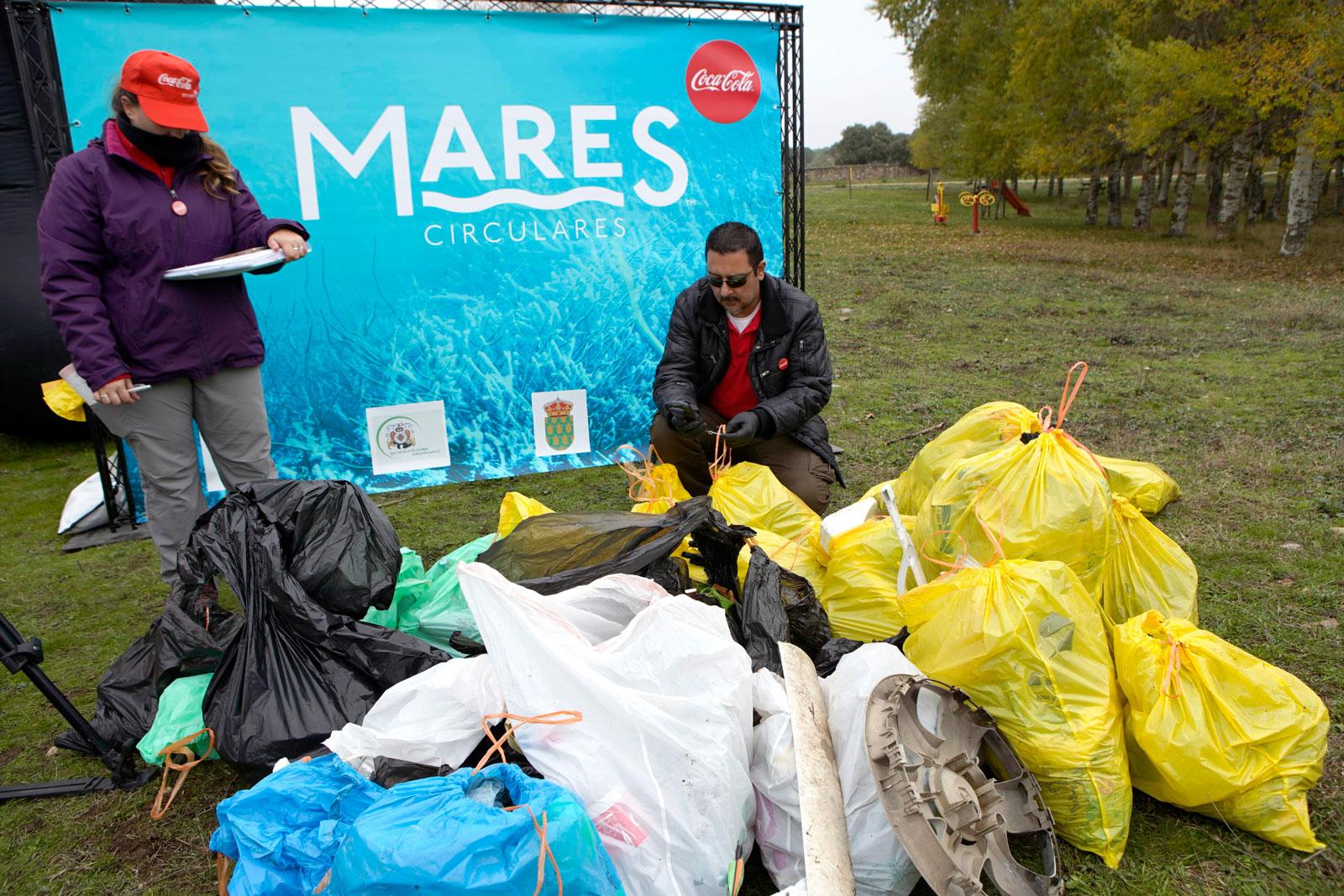 Mares Circulares Valmayor recogida plásticos Coca-Cola