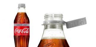Tapón adherido a botella Coca Cola